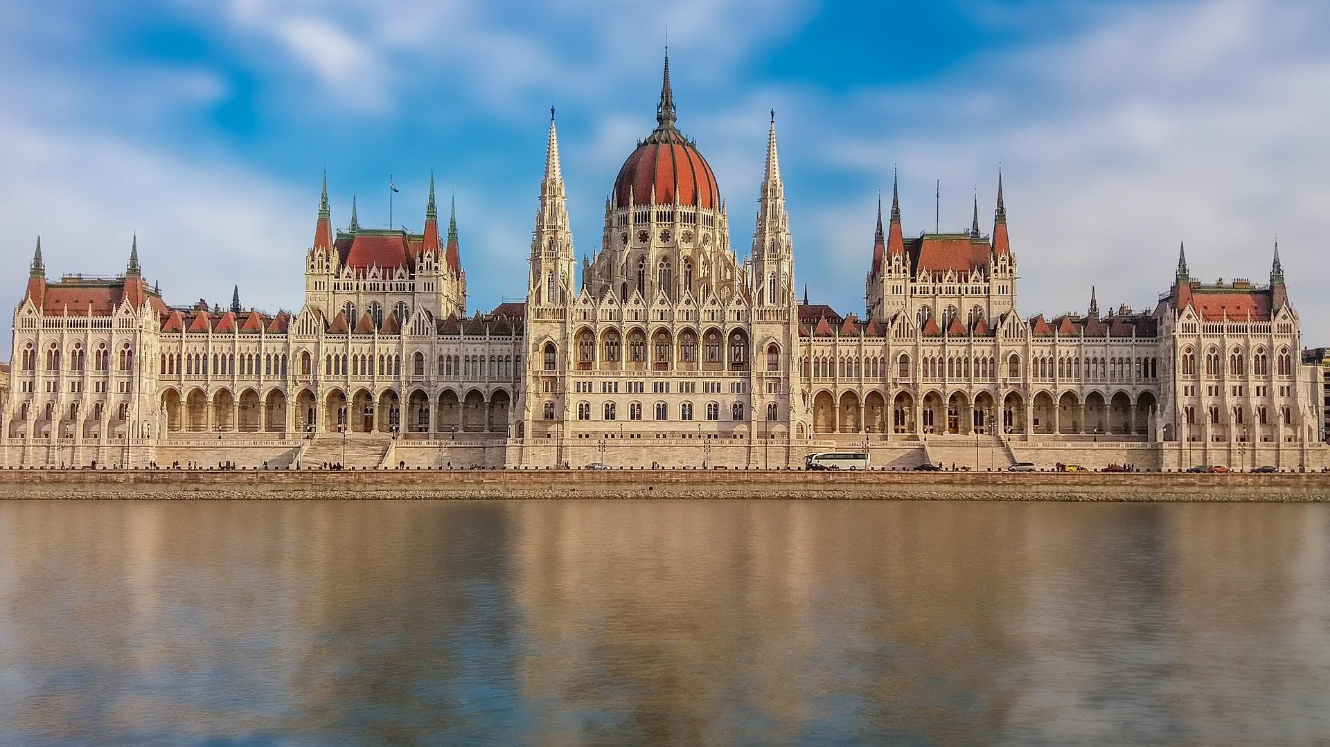 Palazzo-del-Parlamento-Budapest